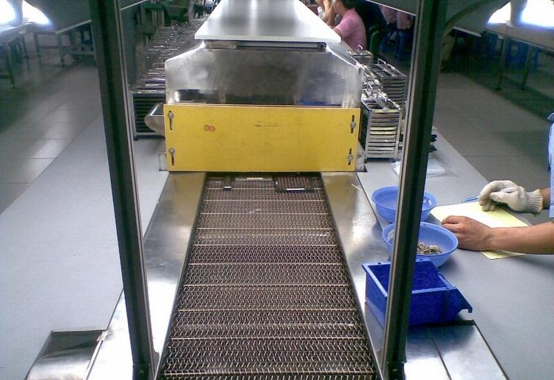 Máy sấy băng tải mẫu 02